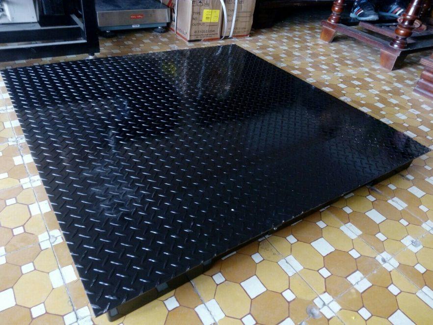 cân sàn điện tử ohaus